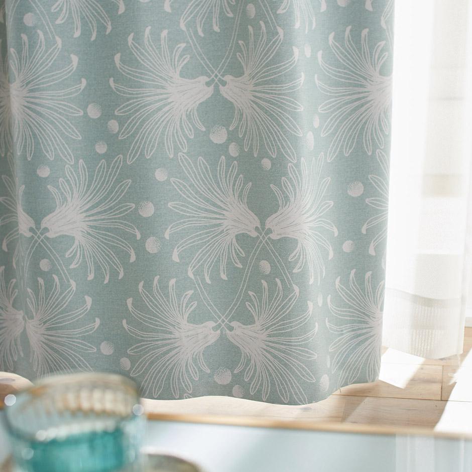 【2級遮光カーテン】ガーベラの花が交差したエレガントな北欧デザイン カサネ